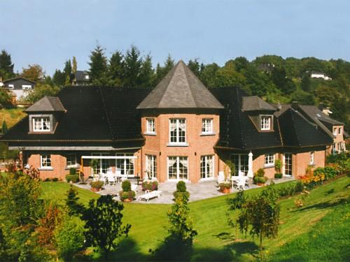 Hochbau Landhaus in Hanglage